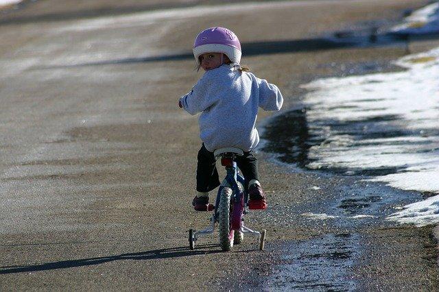 vélo à roulettes fille