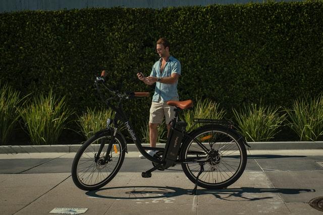 Vélo ville électrique homme