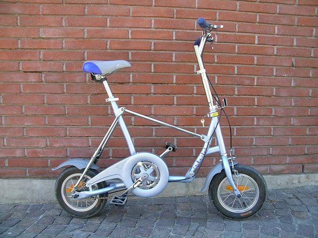 Mini vélo électrique pliant
